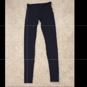 Lululemon black wunder under leggings size 6